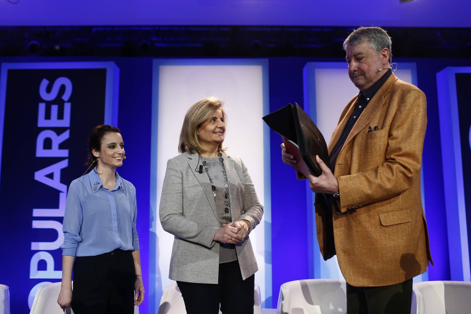 José María Fidalgo, en una convención del PP en marzo de 2016, junto a Fátima Bañez y Andrea Levy.