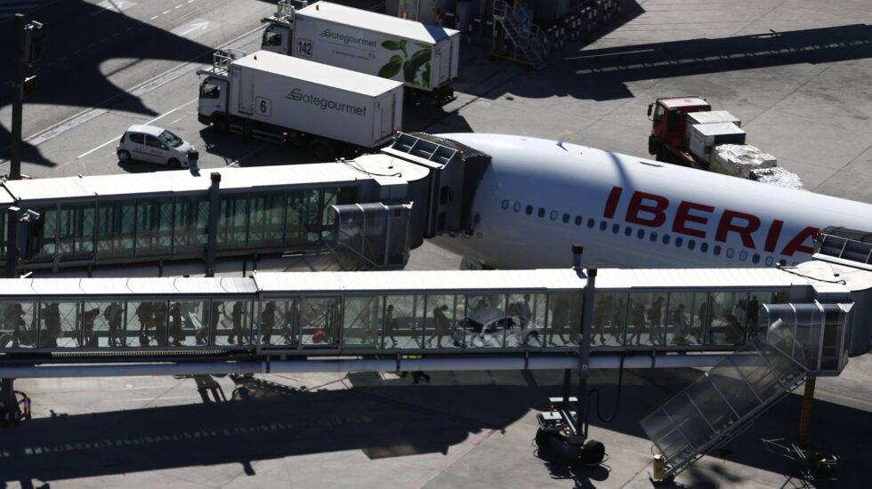 Pasajeros embarcando en el Aeropuerto Adolfo Suárez Barajas