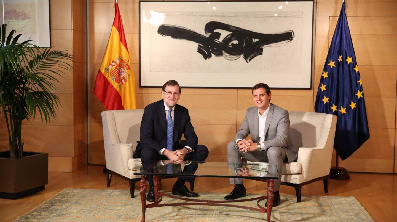 Rajoy y Rivera durante una reunión en el Congreso