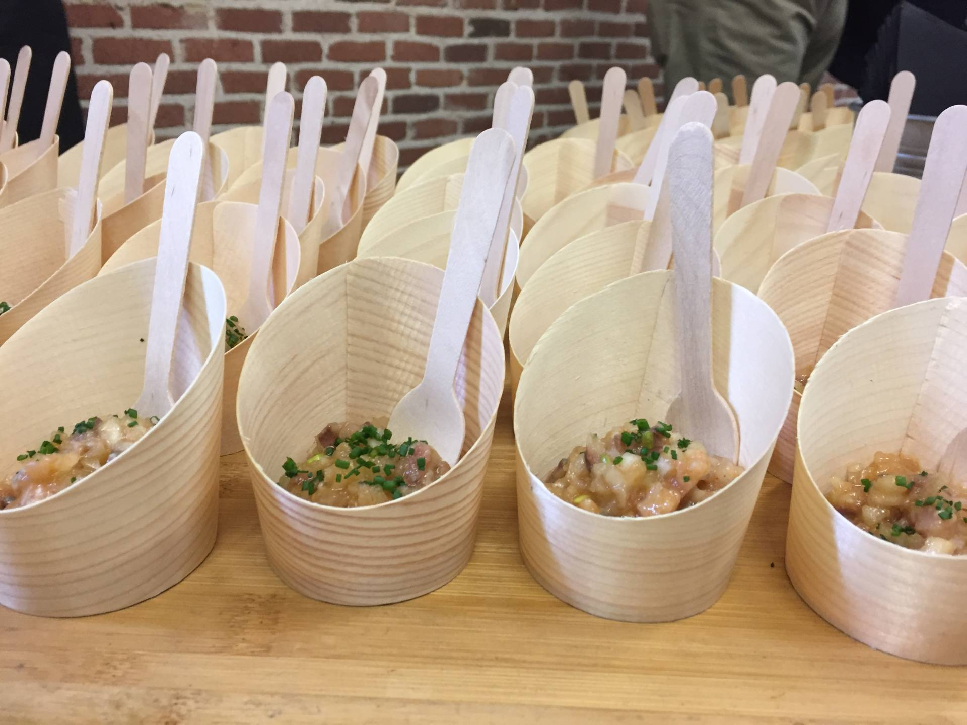 El tartar de sardina ahumada, melón, alioli de calabaza y kimchi, de Casa de Fieras.