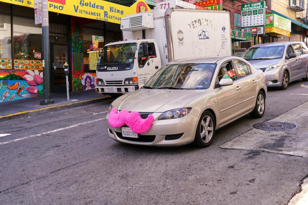 Un vehículo de Lyft circula por las calles de San Francisco.