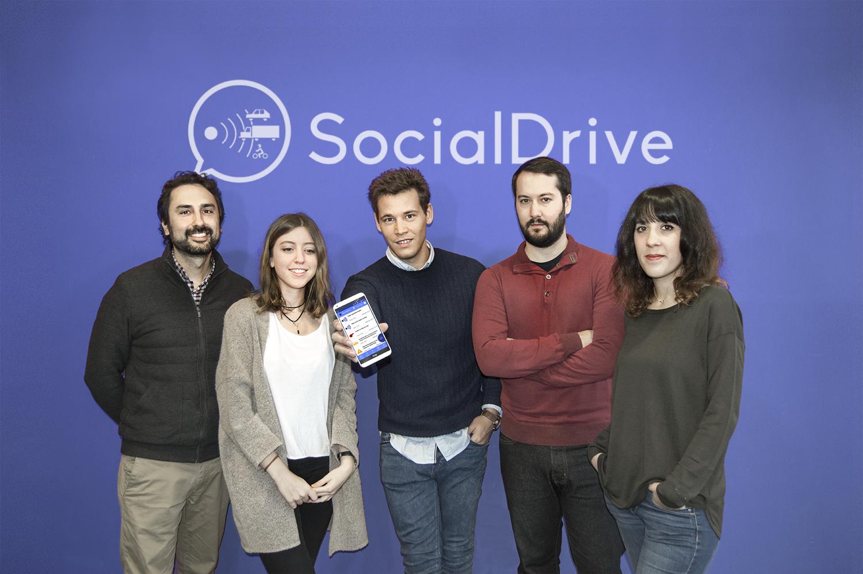 El equipo de SocialDrive con su CEO, Sergio García, en el centro.