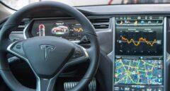 El interior de un Tesla Model S, similar al que sufrió el accidente.