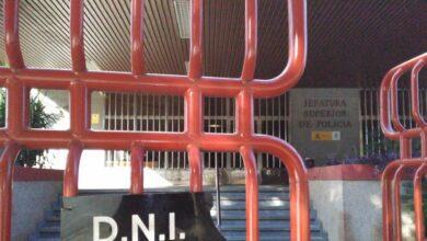Interior detrae policías de la calle para desatascar la expedición de DNI