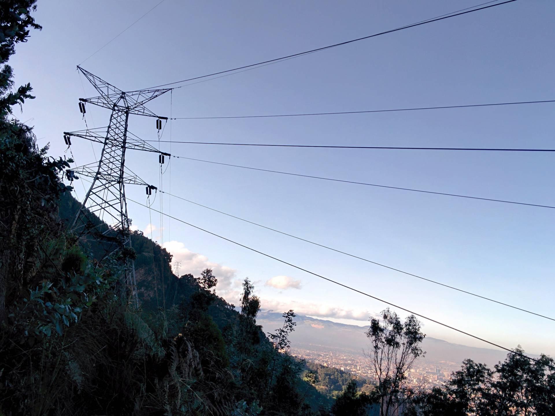 Torre-electricidad-gabriel-porras