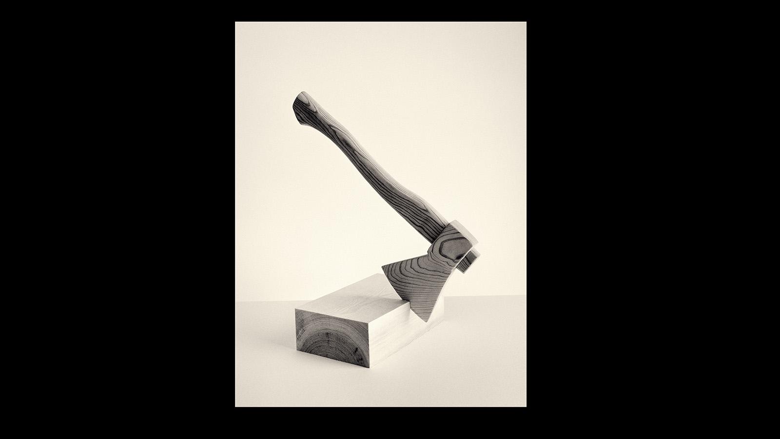 La metodología y la manera de relacionar objetos sitúa el trabajo del fotógrafo, Premio Nacional de Fotografía en 2000, cerca de la idea de poesía y de metáfora.
