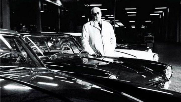 Enzo Ferrari, en la factoría de Maranello, en una imagen de la década de los 60.