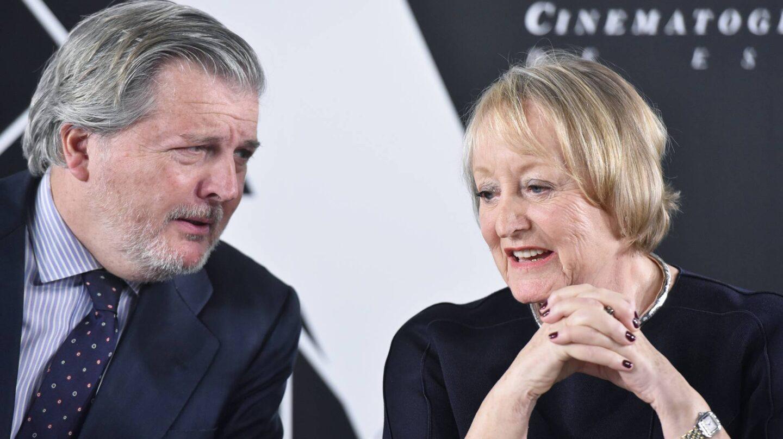 El ministro de Cultura, Íñigo Méndez de Vigo, junto a la presidenta de la Academia de Cine, Yvonne Blake.