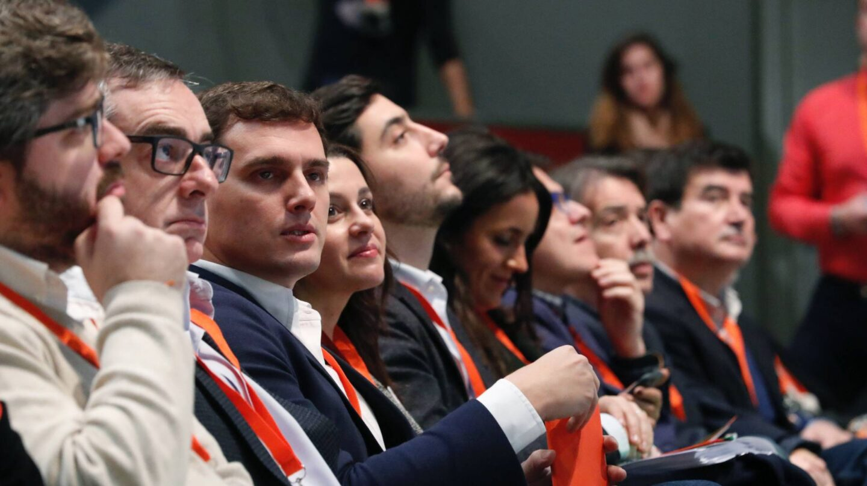 Albert Rivera, junto a su equipo, en la IV Asamblea General de Ciudadanos.