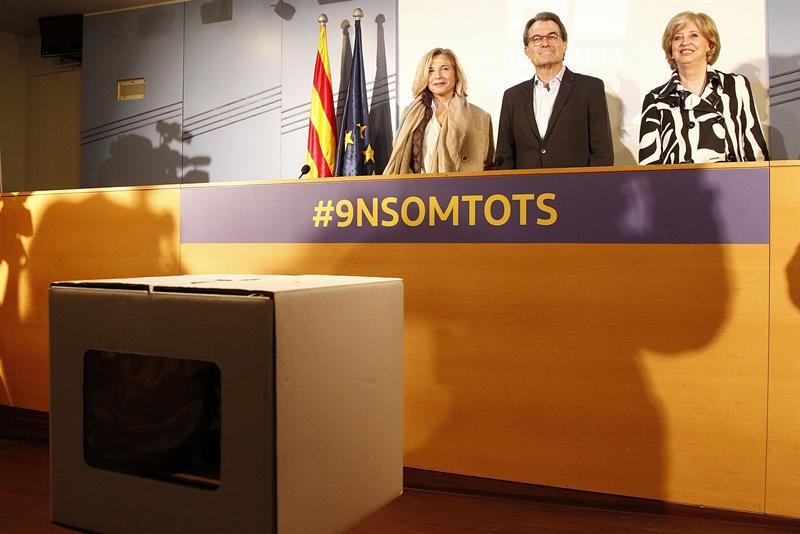 El expresidente de la Generalitat Artur Mas y las exconselleras Joana Ortega e Irene Rigau.