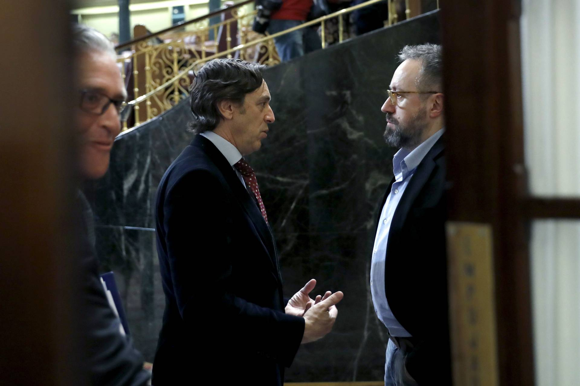 Rafael Hernando y Juan Carlos Girauta, en el Congreso de los Diputados.
