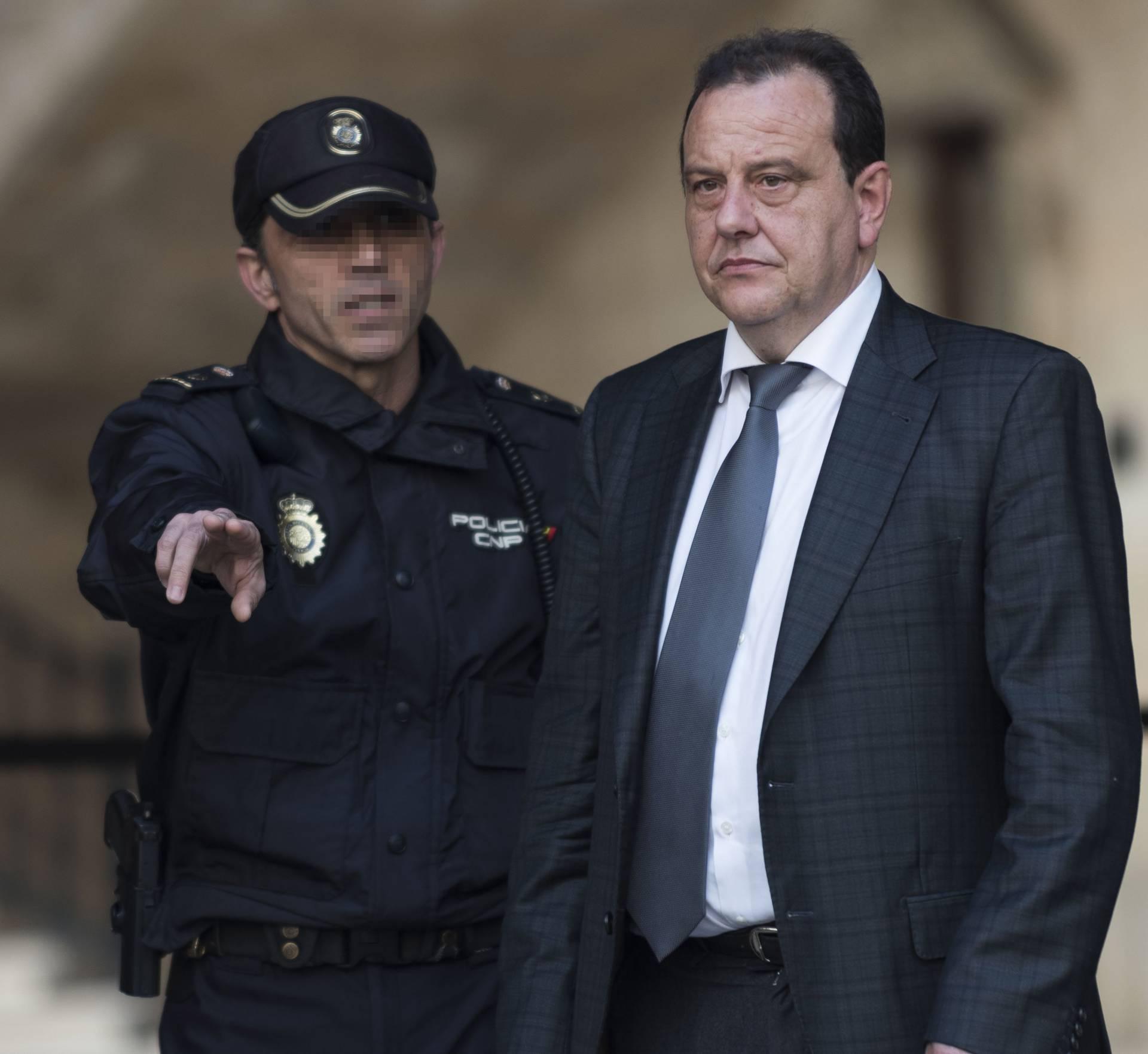 El fiscal del caso Noos, Pedro Horrach, a su salida de los juzgados.
