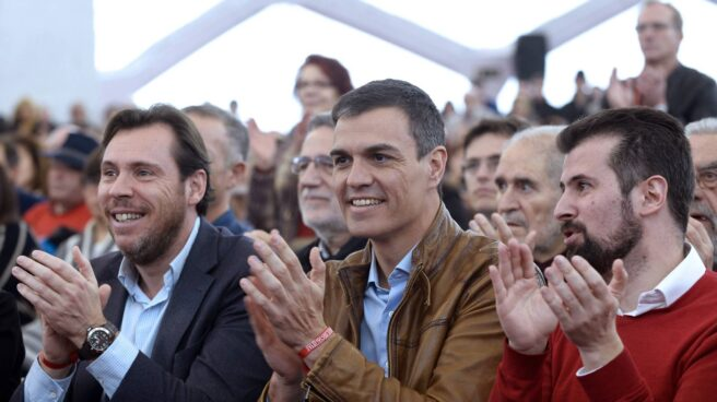 Oscar Puente y Pedro Sánchez.