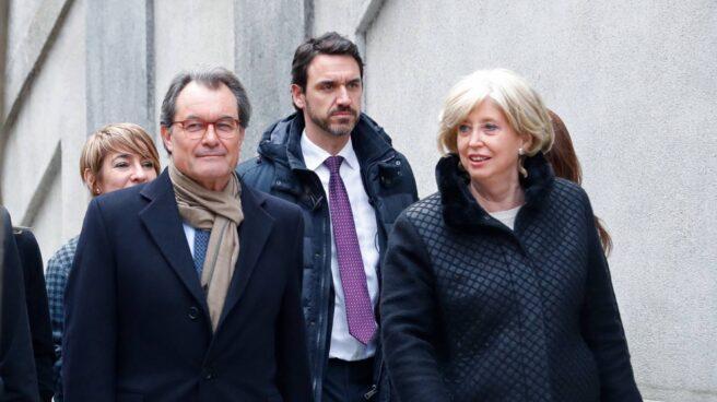 Artur Mas e Irene Rigau, a su llegada al Supremo.