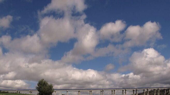 Viaducto sobre el arroyo Pantueña, perteneciente a la R-3.