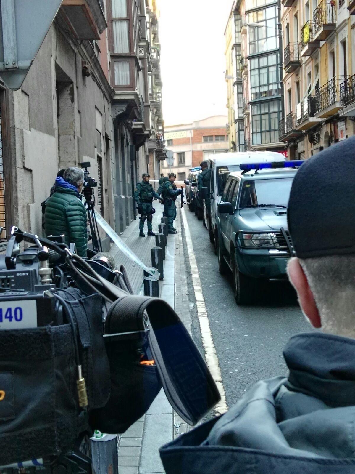 """Colectivos de la Guardia Civil advierten a ETA: """"Seguimos en alerta hasta la rendición total"""""""