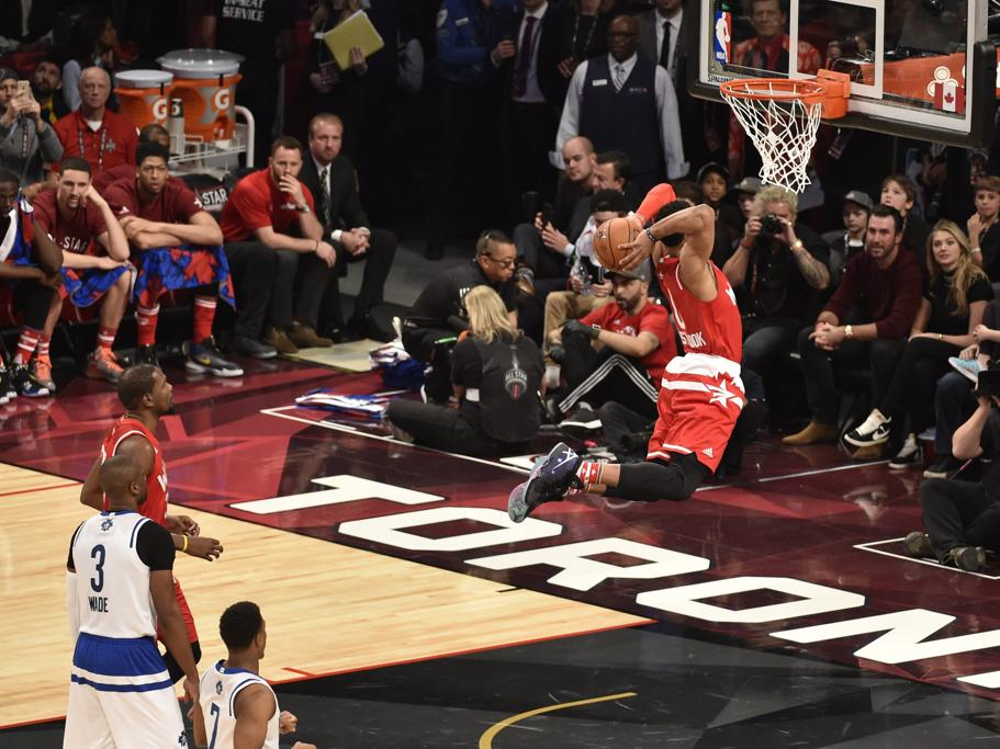 El jugador de Oklahoma City Thunder, Russell Westbrook, haciendo un mate en el último All Star.