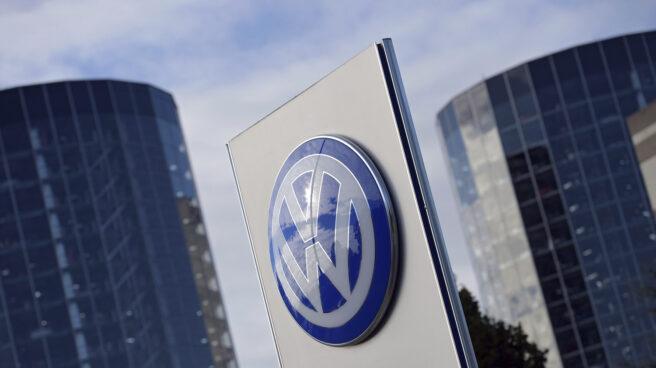 Logo de la compañía de automoción Volkswagen.