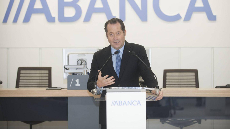 Rodríguez durante la presentación del nuevo modelo de oficina de Abanca.