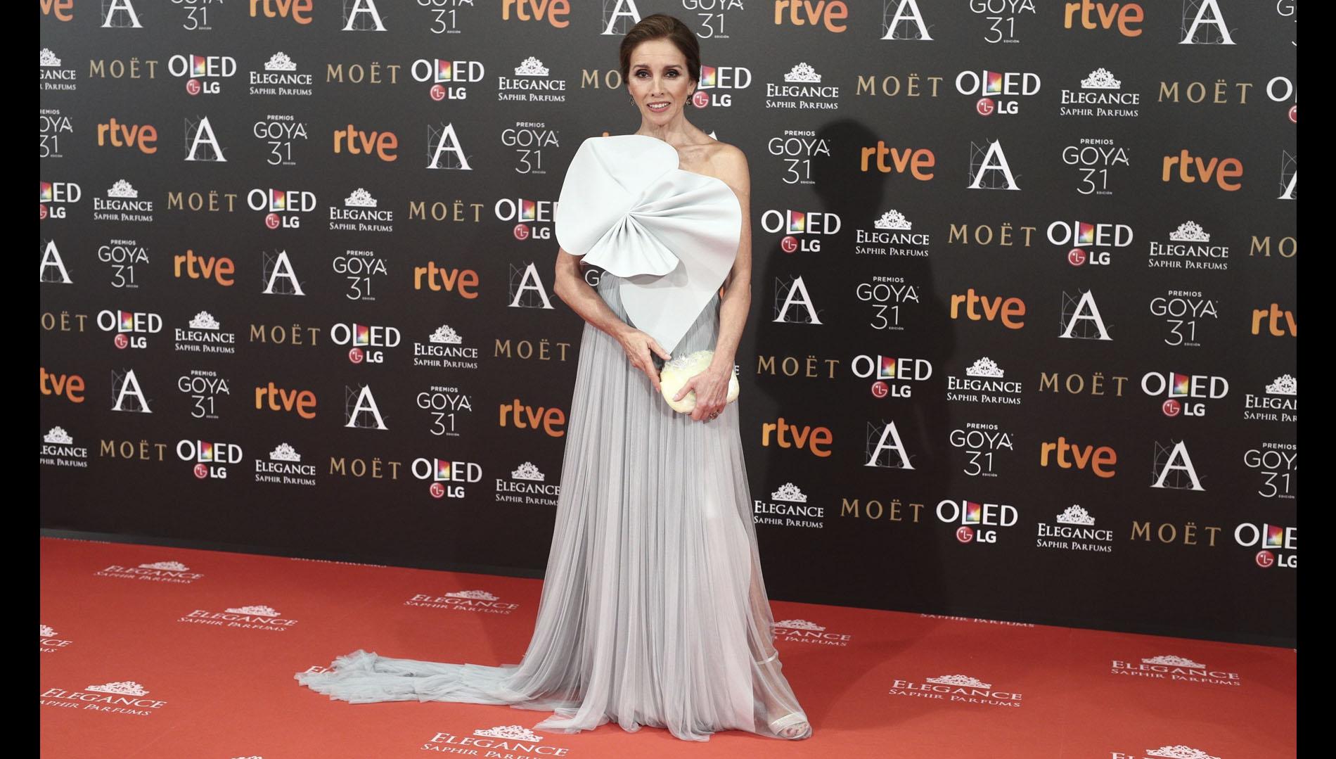 Ana Belén es la Goya de Honor de esta edición de los premios. La actriz y cantante asistió a la gala con un diseño de Delpozo firmado por Josep Font.