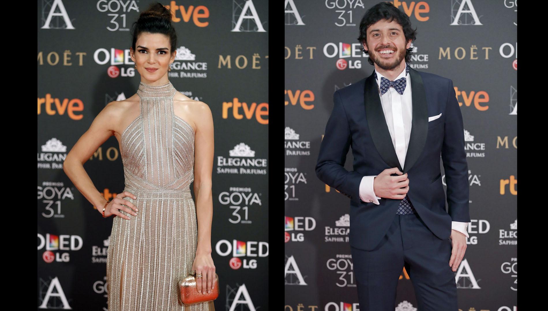 La actriz Clara Lago y el actor Javier Pereira, quien viste esmoquin de Anglomanía, camisa Mirto y zapatos Armani.