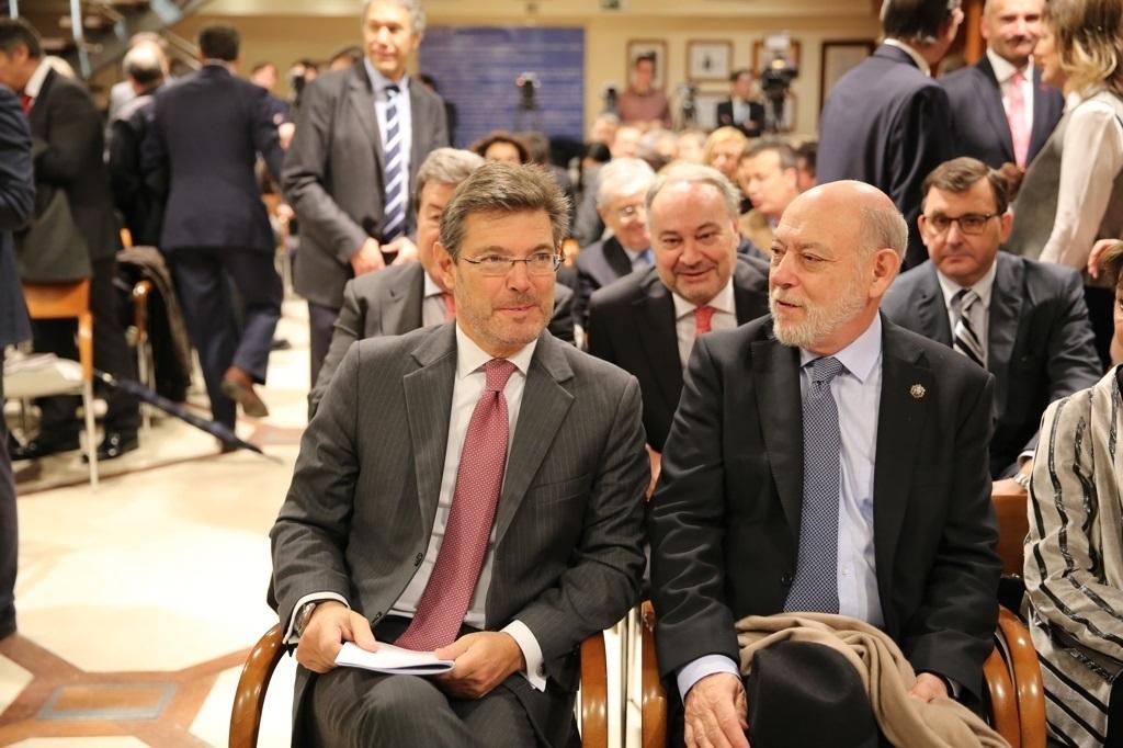 Rafael Catalá, ministro de Justicia, y José Manuel Maza, fiscal general del Estado.