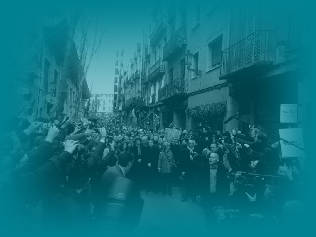 Apoyo a Artur Mas el día de su declaración.