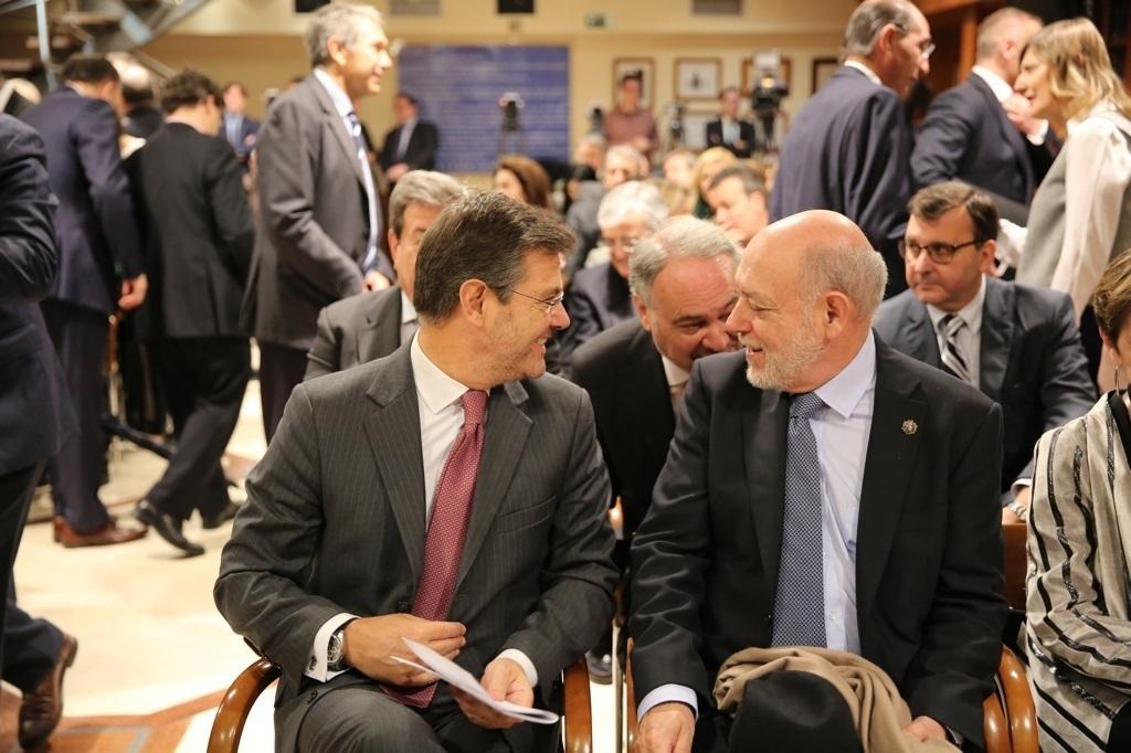 El fiscal general del Estado, José Manuel Maza, junto al ministro de Justicia, Rafael Catalá.