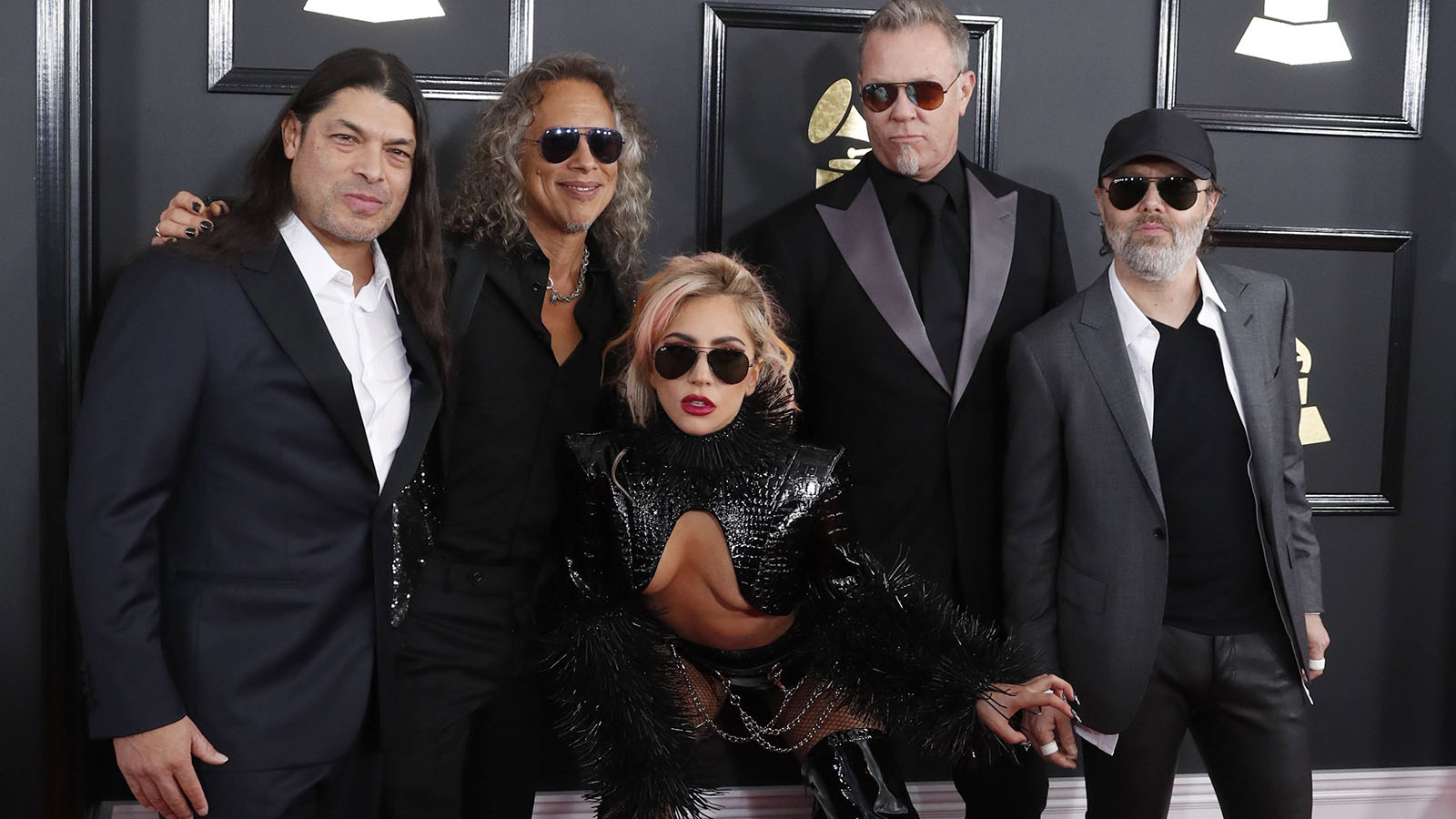 Lady Gaga se puso más cañera que nunca cantando con Metallica.