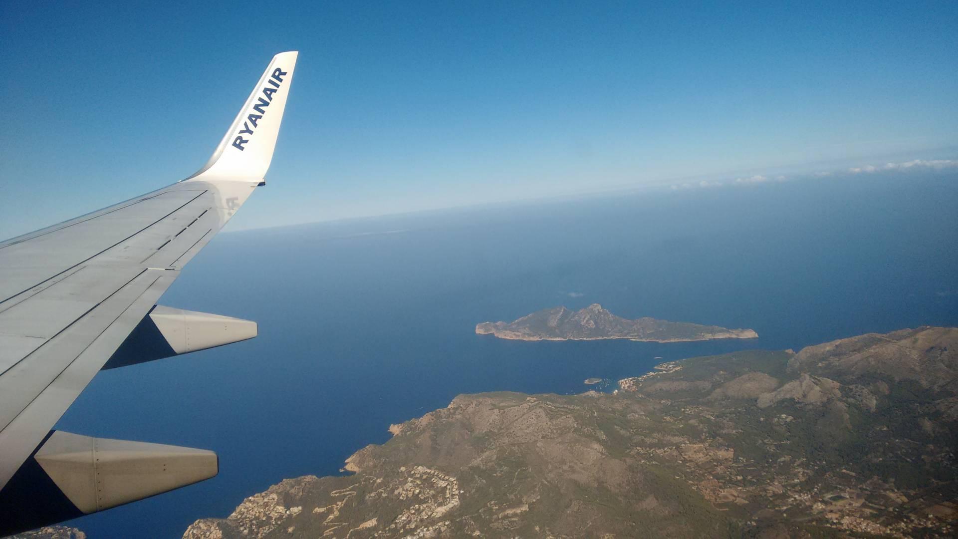 Las aerolíneas suben los billetes tras el alza de las ayudas públicas a vuelos a Canarias y Baleares