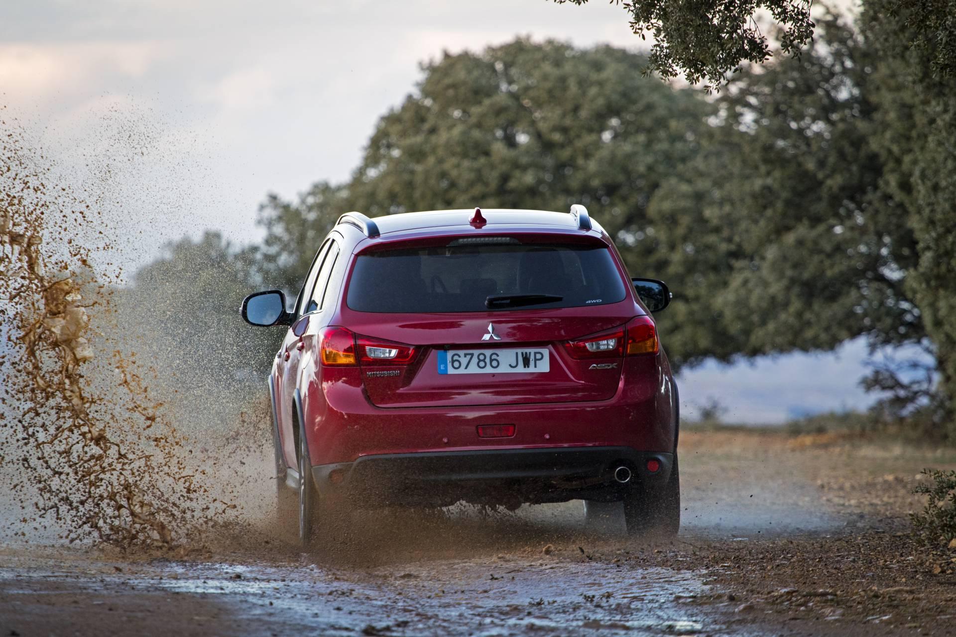 Para adaptarse a cualquier tipo de terreno y a una conducción por caminos en mal estado, su sistema de tracción integral cuenta con tres modos de funcionamiento.