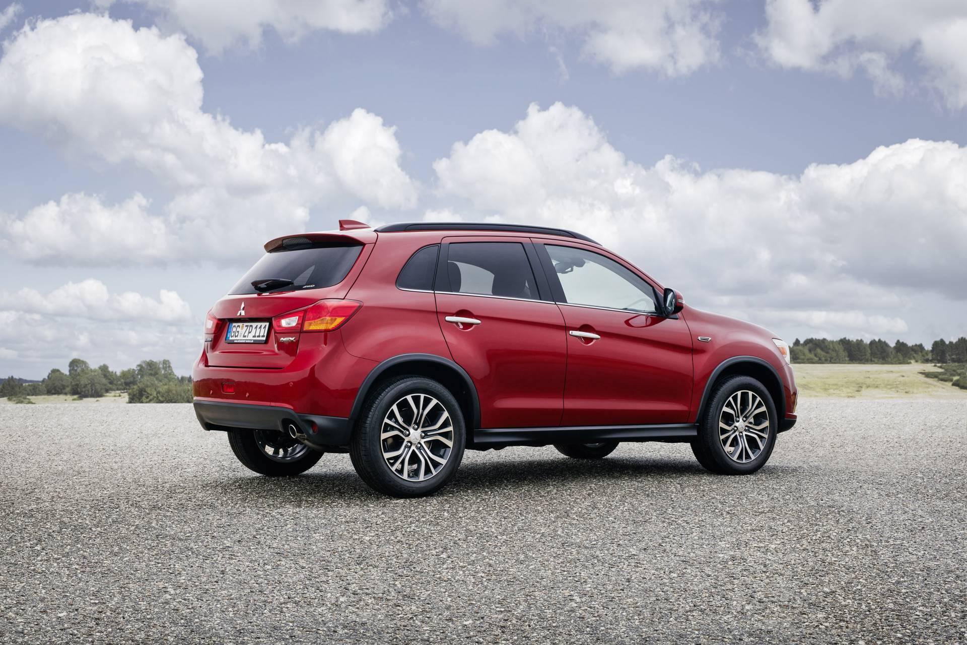 Con 4,35 m de longitud, el ASX se inscribe en el segmento de los SUV compactos. Entre sus rivales destacan modelos como, el Peugeot 4008, Nissan Qashqai o Kia Sportage.
