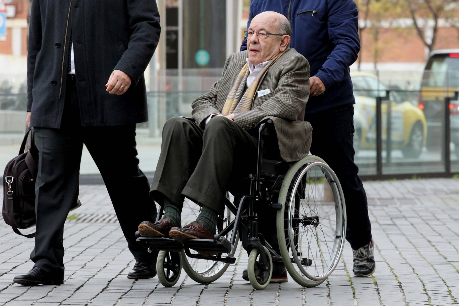 Félix Millet, entrando a los juzgados.