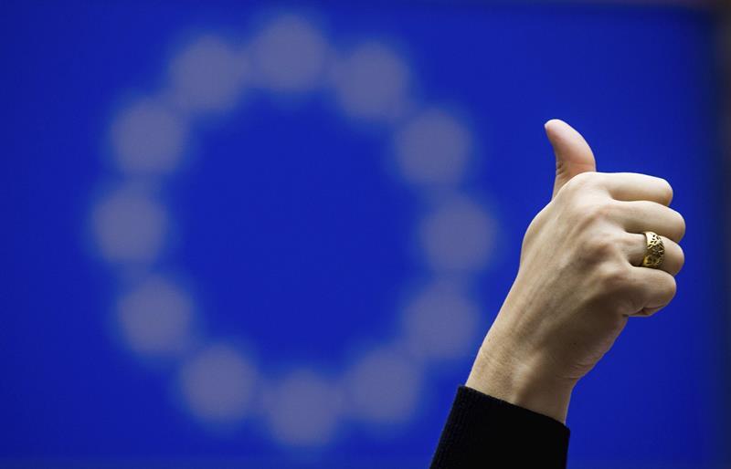 Una eurodiputada, en una votación reciente en el Parlamento de la Unión Europea.