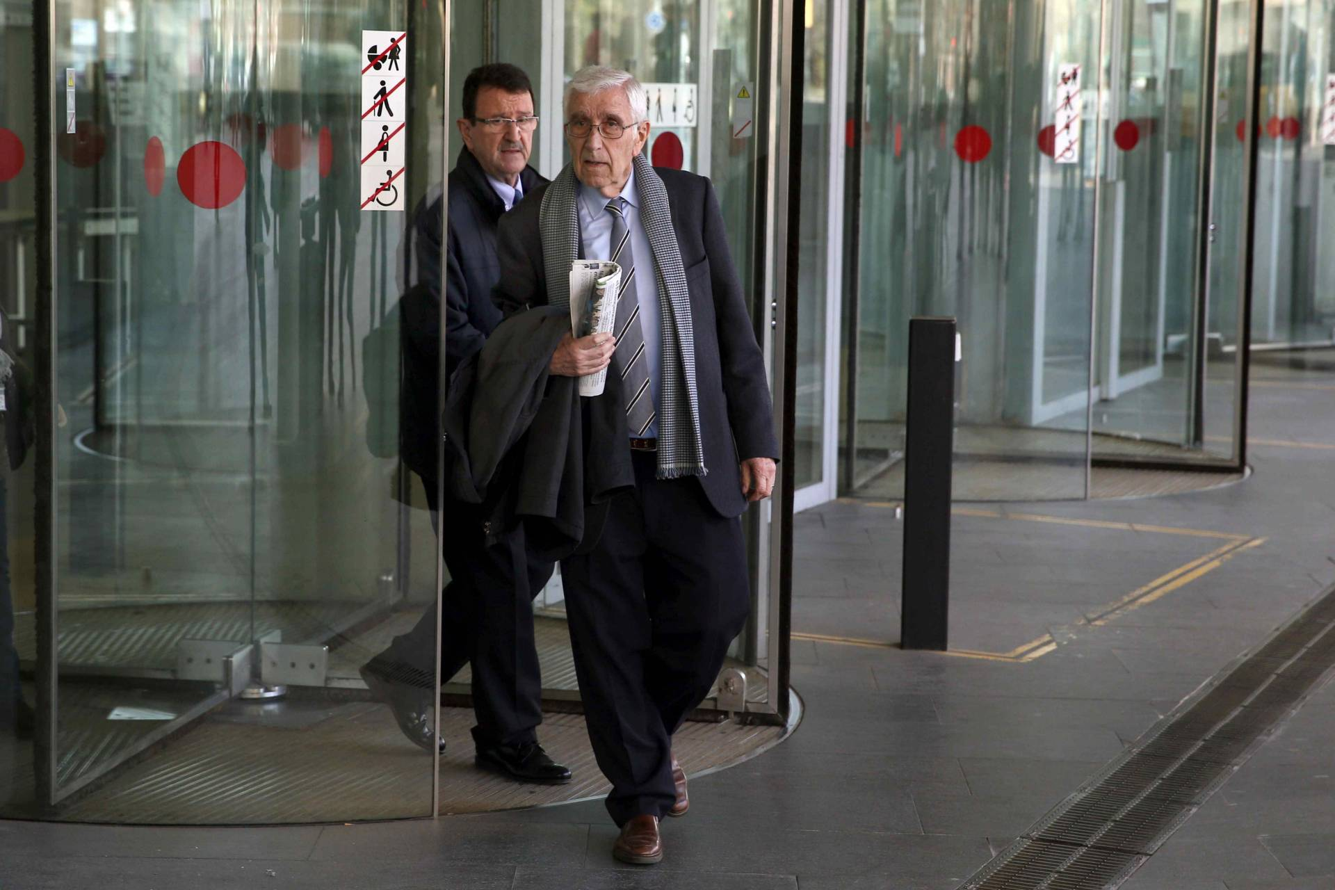 El ex tesorero de CDC, Daniel Osácar, a la salida de la Ciutat de la Justicia tras declarar por el caso Palau.