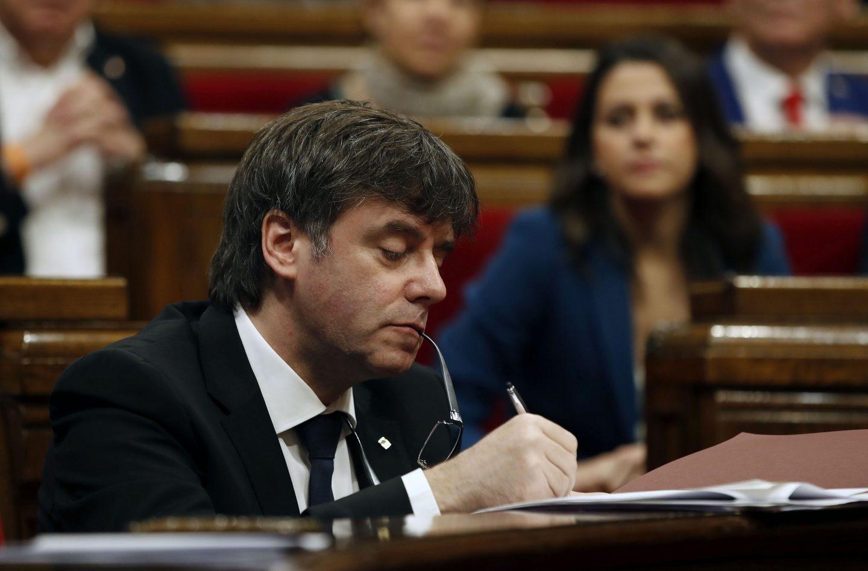 Carles Puigdemont, en el pleno del Parlament.