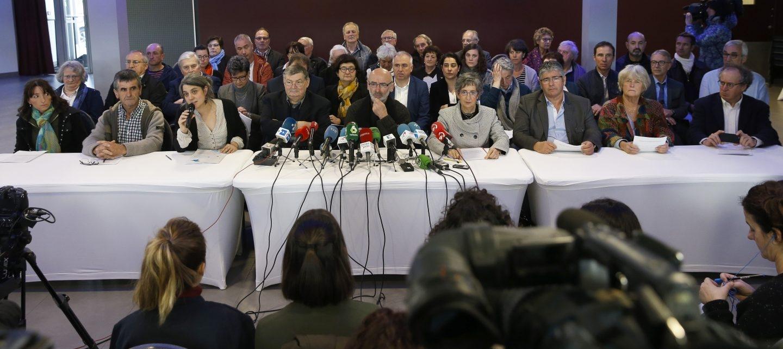 Los mediadores implicados en el desarme de ETA han ofrecido una rueda de prensa hoy en Bayona.