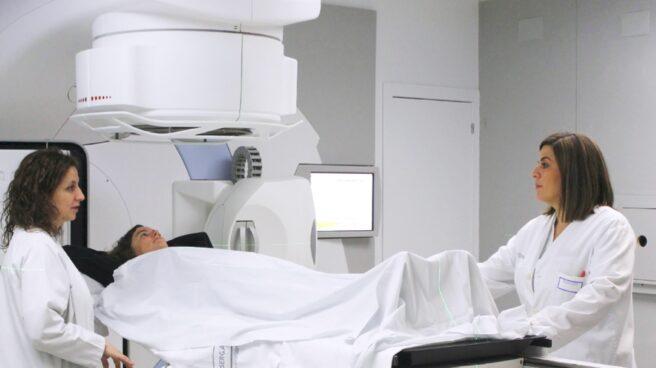 Uno de los aceleradores lineales de radioterapia donados por la Fundación Amancio Ortega.