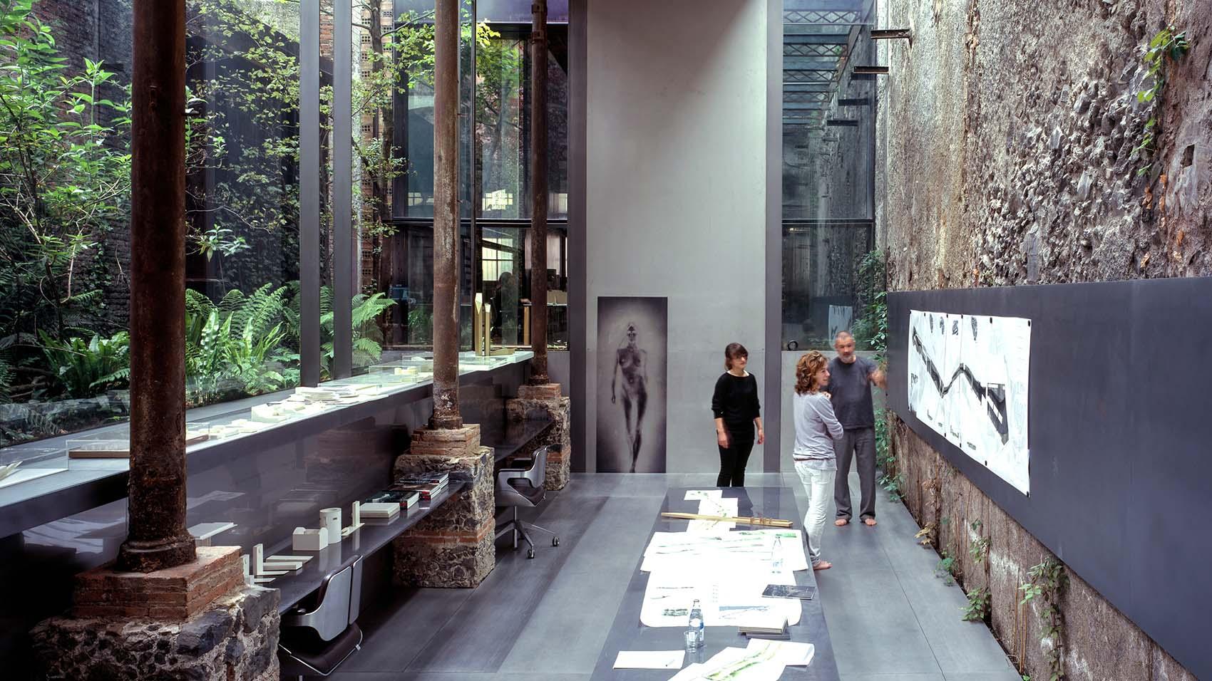 Barberí Laboratory estudio de Rafael Aranda, Carme Pigem and Ramon Vilalta ganadores del Pritzker en Olot, Girona, 2017