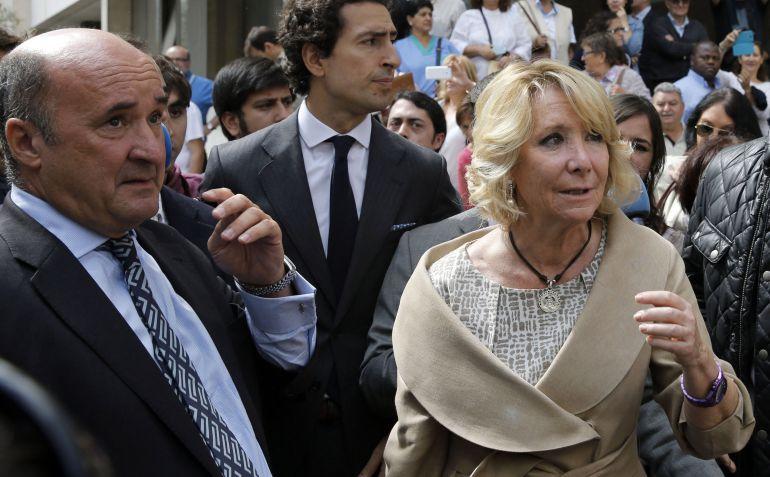 El ex gerente del PP madrileño, Beltrán Gutiérrez, junto a la ex presidenta de la Comunidad, Esperanza Aguirre.