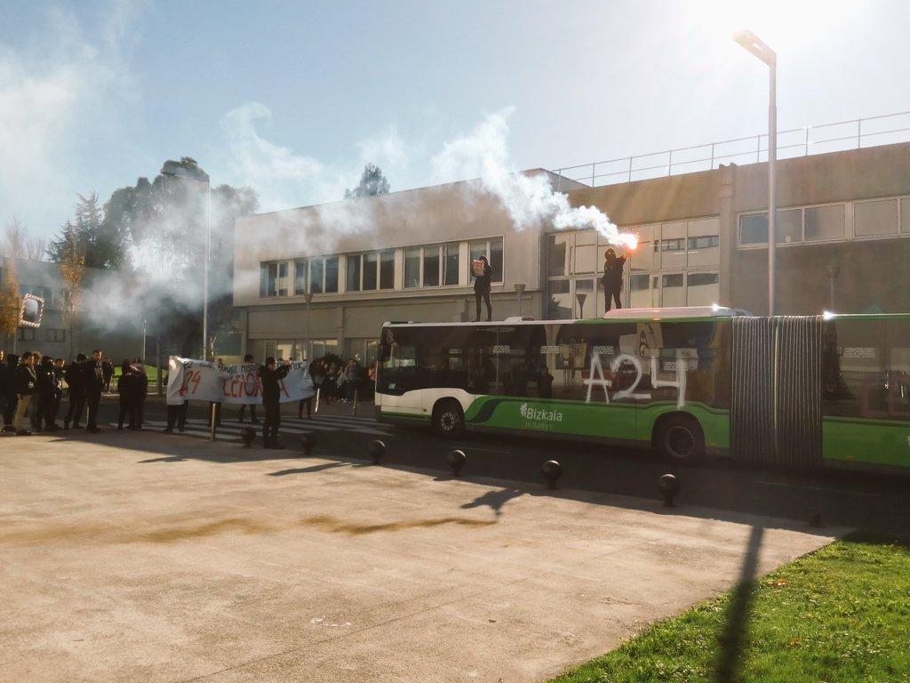 Más 'kale borroka', un artefacto incendiario explota en la Universidad Pública Vasca