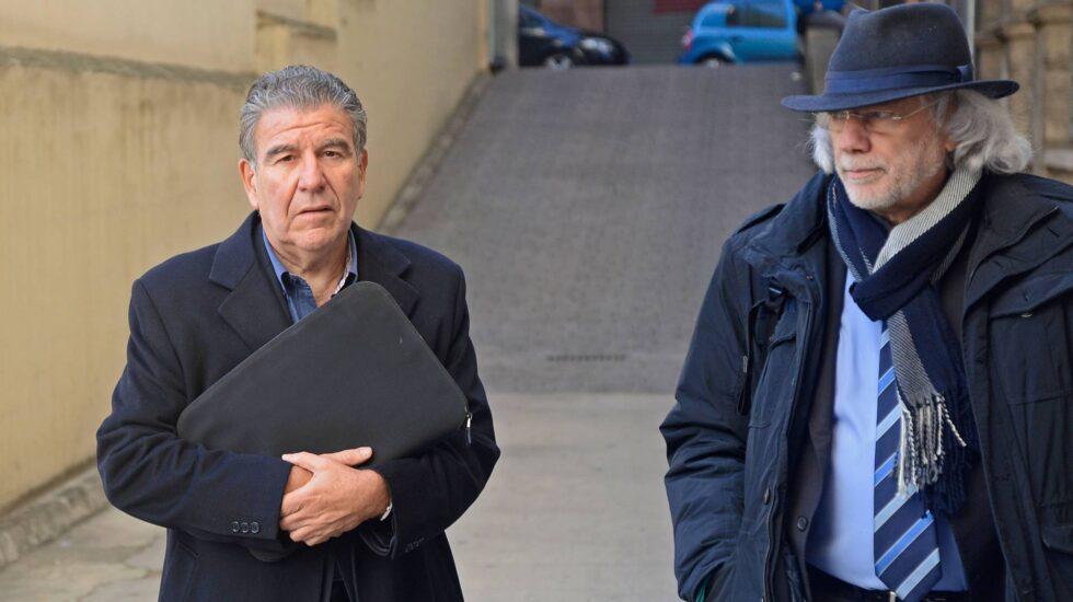 El publicista argentino Daniel Horacio Mercado Lozano (izquierda), junto a su abogado en enero de 2016.