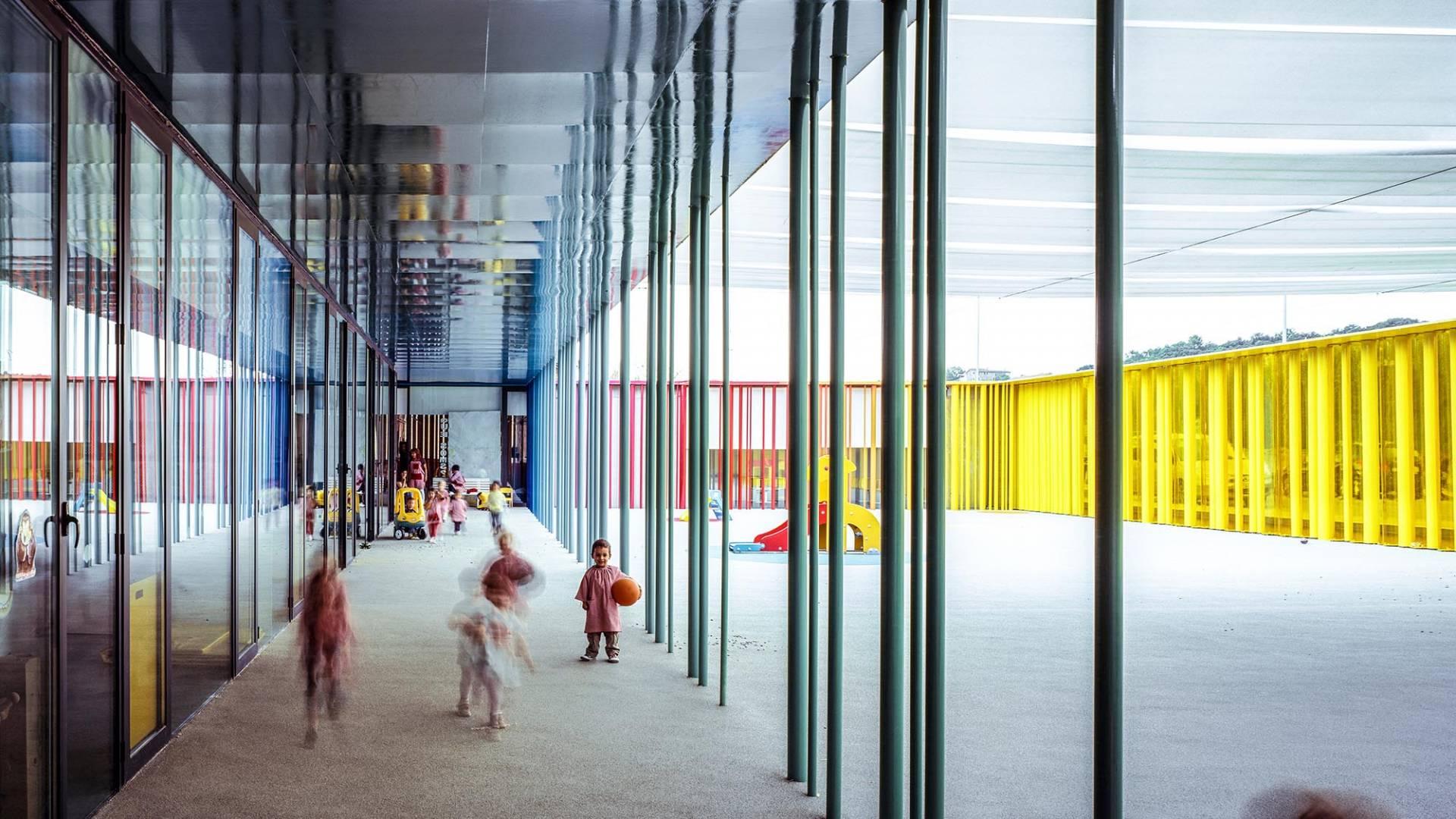Interior de 'Petit Comte' guardería de Besalú, Girona, 2010.