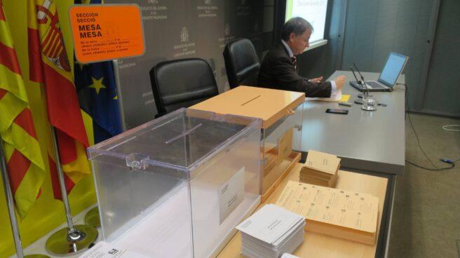 Urnas en las elecciones.