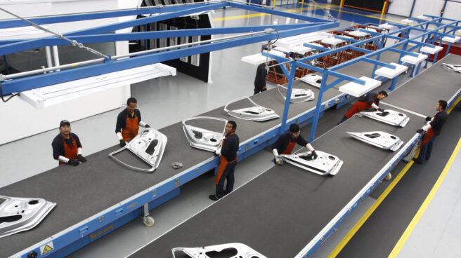 Cadena de fabricación de componentes en las instalaciones de Gestamp en Puebla (México).