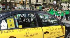 Un taxi de Barcelona, durante una protesta contra Uber y Cabify.
