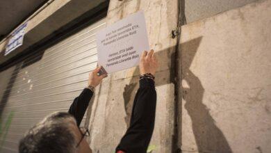 Bilbao y San Sebastián ordenan retirar las 62 placas en memoria de las víctimas del terrorismo