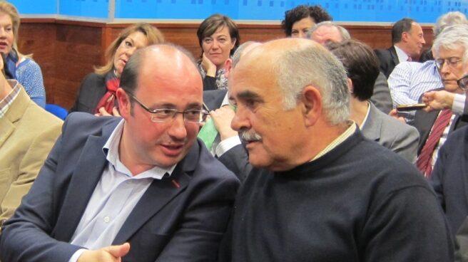 El ex presidente de Murcia, Alberto Garre, junto al actual dirigente, Pedro Antonio Sánchez.