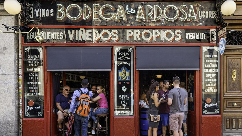 El bar que tenía bodega propia en 1892 cuando abrió este despacho de vino que fue pionero en la introducción de la cerveza. Foto: Javier Sánchez