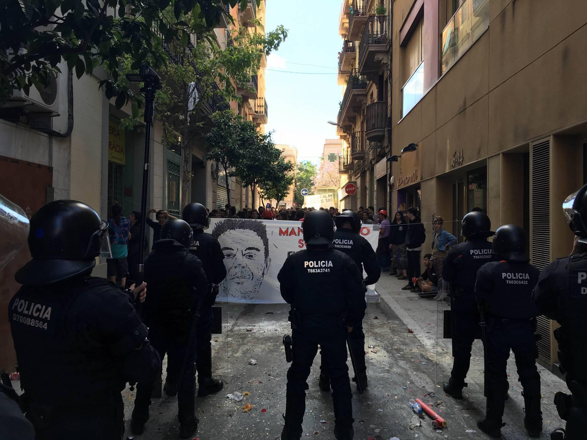 Un grupo de Mossos, durante una operación policial.